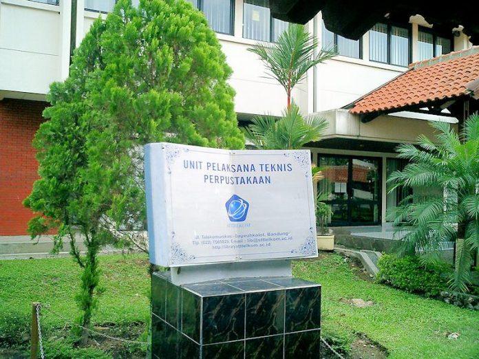 STT Telkom - Gedung Perpustakaan Bagian Depan